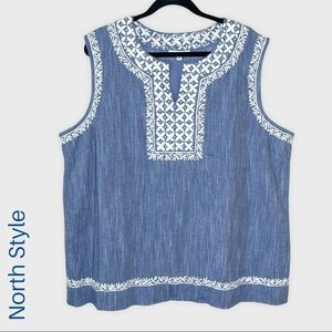 North Style sleeveless chambray notch collar top with white embroidery size 2X